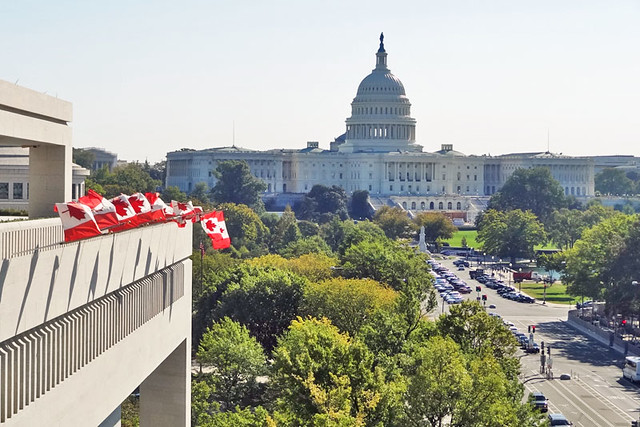canadian-flags-capitol