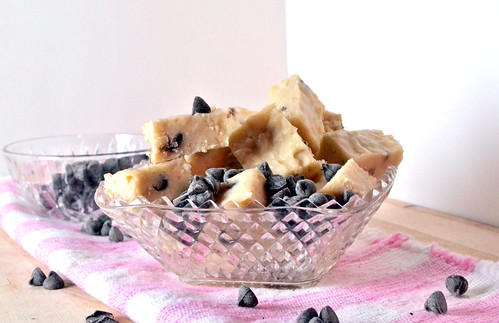vanilla fudge with chocolate chip cookie dough