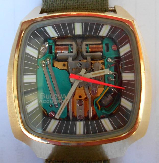 Bulova Accutron del centenario 1973 (a forma di diapason)
