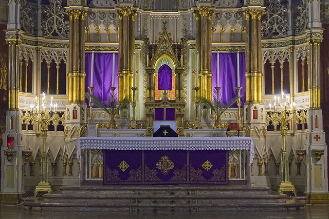 Saint Francis de Sales Oratory, in Saint Louis, Missouri, USA - High altar on Palm Sunday