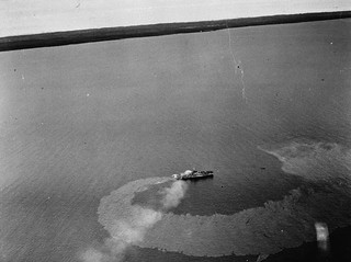 HMCS Magog, which was torpedoed by a German submarine near Pointe-des-Monts, Quebec, on October 14, 1944 / Le NCSM Magog, qui a été torpillé par un sous marin allemand près de Pointe des Monts (Québec), le 14 octobre 1944