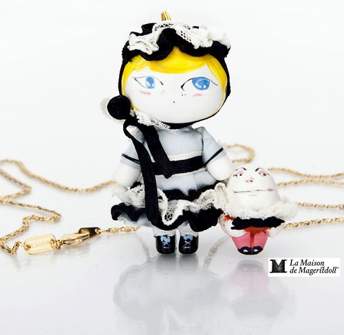 Mageritdoll Collection: HUMPTY DUMPTY (Resin Art Doll Brooch & Necklace - Muñeca artística resina) by La Maison de Mageritdoll