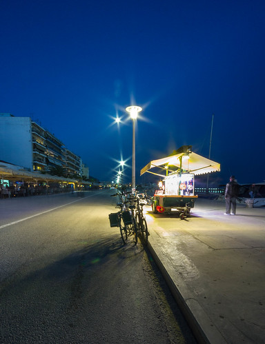Καντίνα στην Παραλία... by Dimitris Amountzas