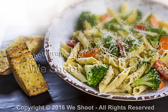 Penne Pasta And Garlic Toast