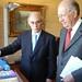 Sergio Bitar mientras era Ministro Educación, junto al ex presidente Ricardo Lagos