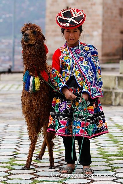 quechua girl    peru  traditional