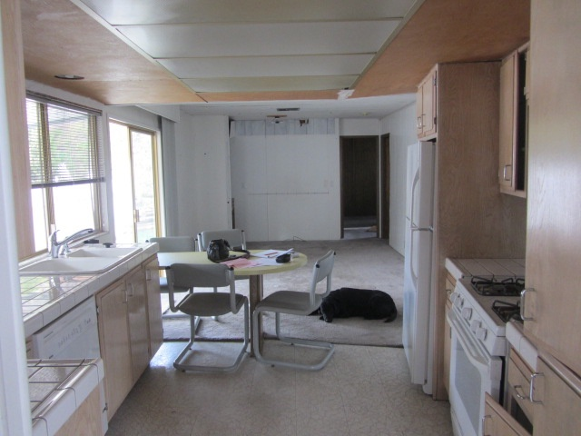 kitchen to back of house