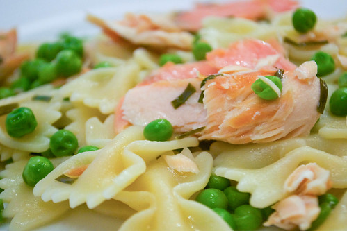 smoked salmon farfalle with peas and chives and butter