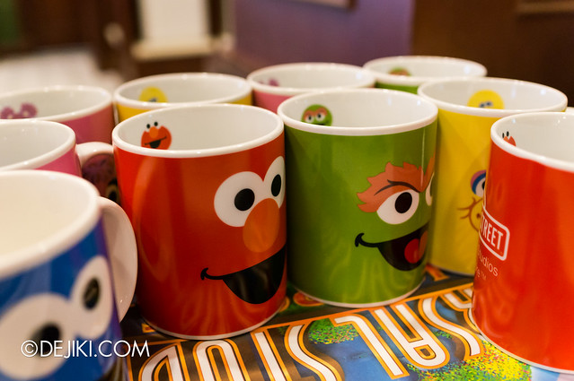 Sesame Street Character Breakfast at Universal Studios Singapore - Mugs!