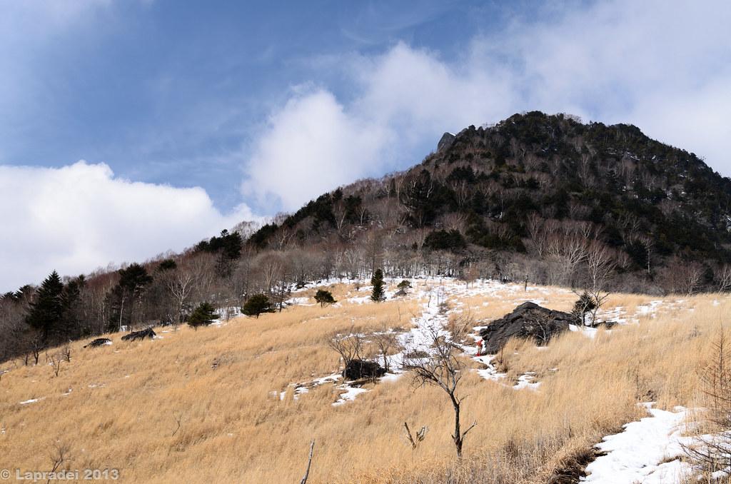 20130303 月見岩と乾徳山