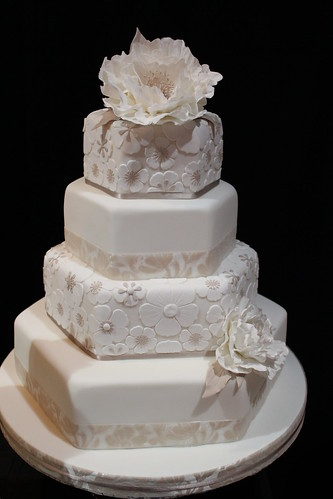 Wedding Cake by crayonmonkey