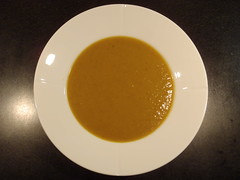 Karrysuppe med gulerod og lime