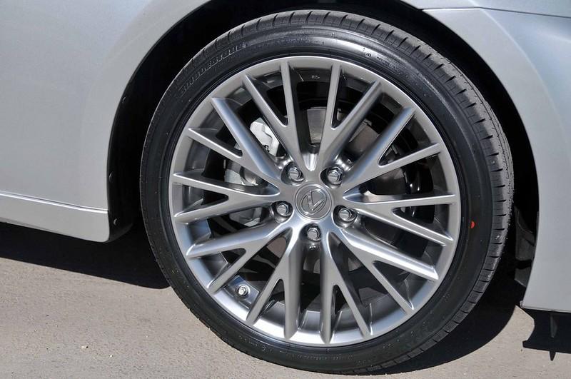 Bridgestone Lexus