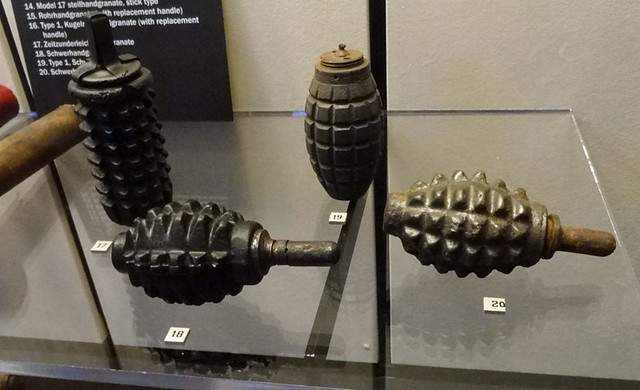 world-war-I-grenades