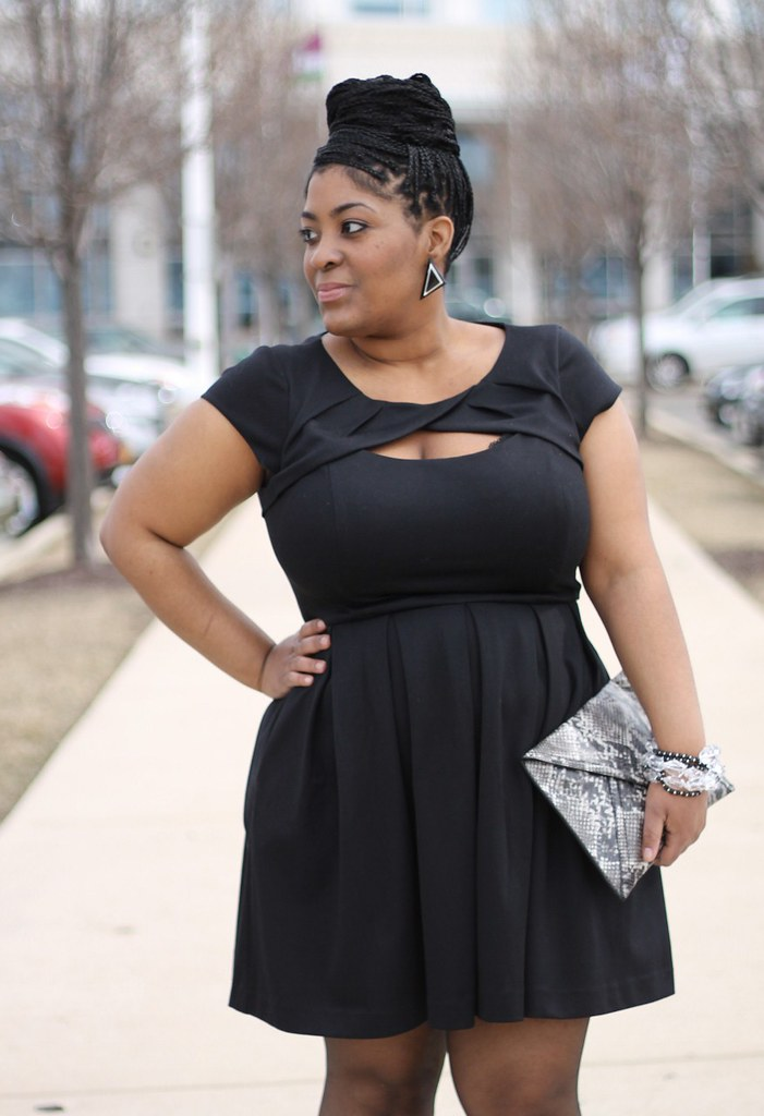 STYLECHIC360-PLUS-SIZE-FASHION-BLOG-LAUREN CONRAD LBD