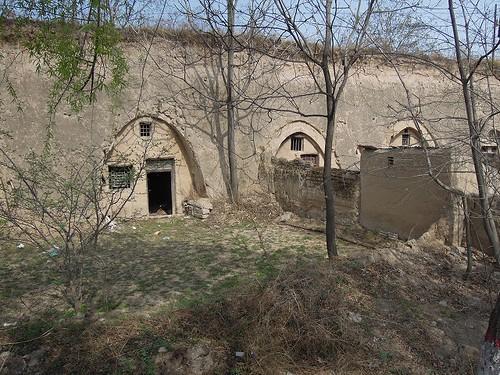 洞窟のある家