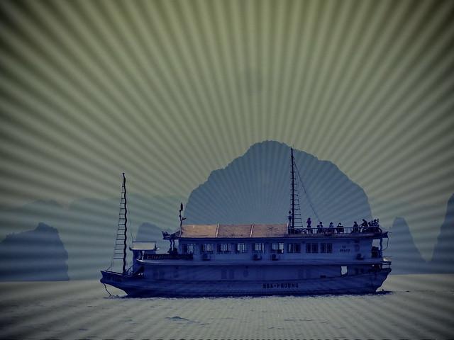 boat_lomo_radialwaves
