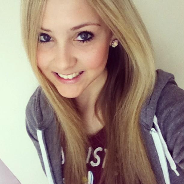 Selfie #hi #guys #me #myface #blonde #smile #teeth #cheesy #grin #teen ...