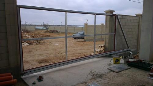 откатные ворота из алюминия конструкция