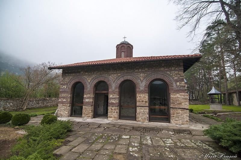 Biserica Sf. Apostoli Petru și Pavel