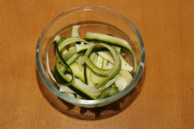 Raw courgette ribbons
