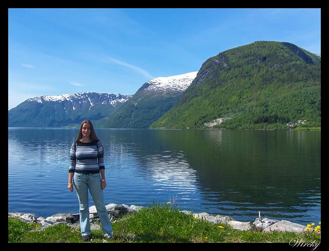 Fiordos noruegos Storfjord Geiranger Hellesylt Briksdal Loen - Lago Hornindal