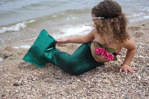 mermaid girl outdoor 4 age