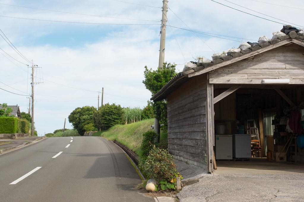 花苗の家の前