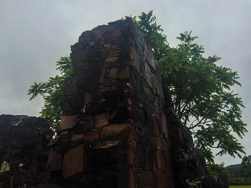 Trinidad: les ruines de la mission jésuite et ses murs de grosse pierres comme ceux des Incas