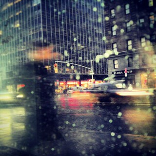 #nyc #snow #blur #manhattan #blizzard #people #light #dawn #nyc #citylife #3rdave