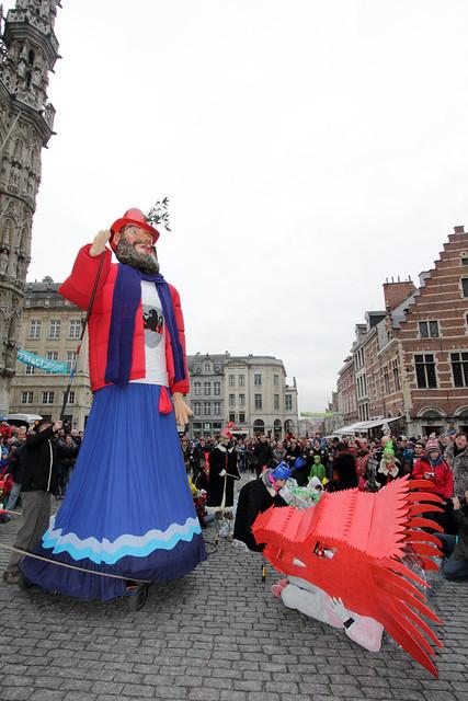 Drakenoptocht in Leuven - 16 februari 2013