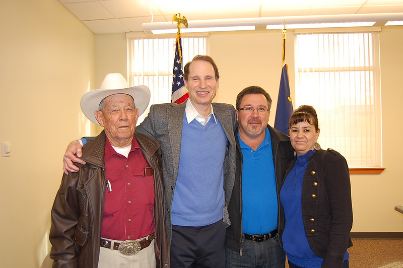 Wyden with Eddie De La Cruz, Chair of Hermiston's Hispanic Advisory Committee & his family [from left to right] Celso De La Cruz (Eddie's father), Senator Wyden, Eddie De La Cruz, & Elena De La Cruz (Eddie's wife)