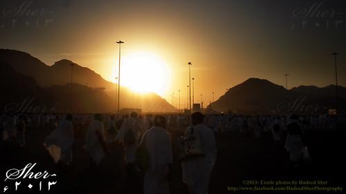 white sunrise dawn walk muslim islam hell mina haji arafat makkah ksa ahram hujj mygearandme gettyimagesmiddleeast rememberthatmomentlevel1 arafatground muzdalfa dayofarafat