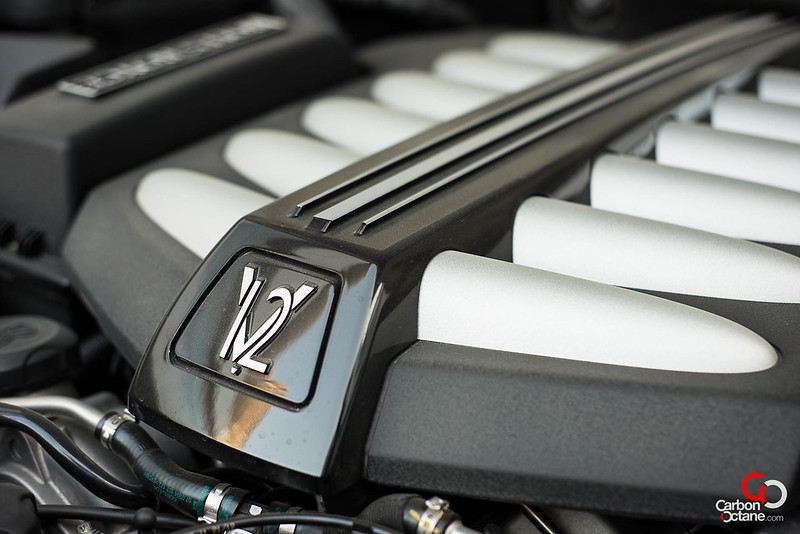 2013 Rolls Royce Ghost engine close up.jpg