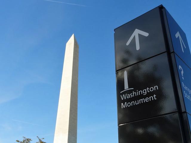 washington-monument-sign
