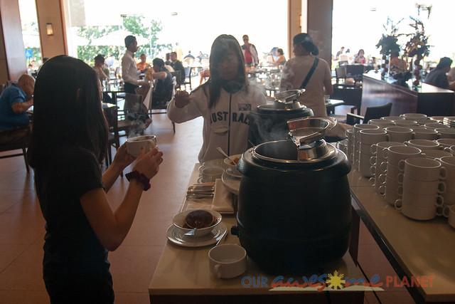 Taal Vista Hotel-25.jpg