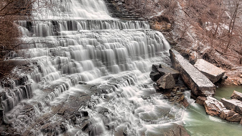how to get to albion falls hamilton