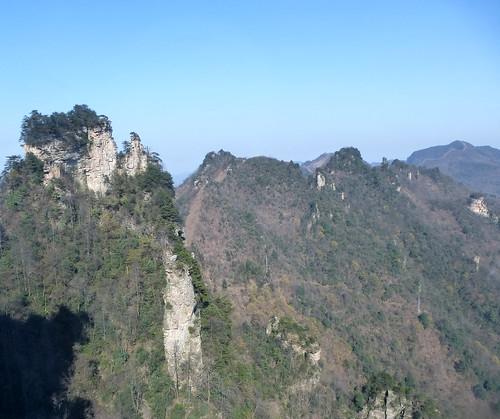Hunan13-Parc-Telepherique-Vers Wulingyuan (1)