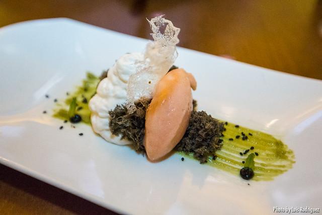 Lemongrass cheesecake con sorbete de frambuesa (Asiana Nextdoor)