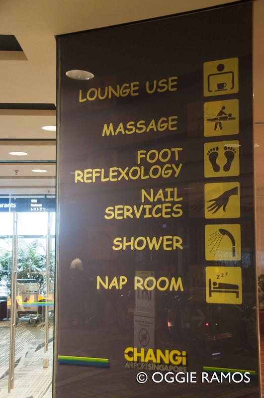 Singapore Changi Lounge Signage