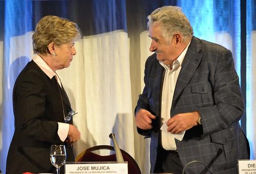 Alicia Bárcena, Secretária-Executiva da CEPAL, ao lado do Presidente do Uruguai, José 'Pepe' Mujica. Foto: CEPAL