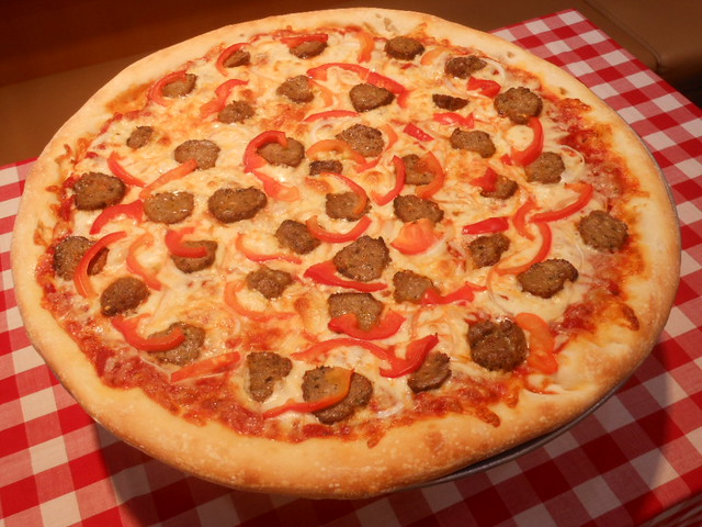 Meatball Pizza/ミートボールピザ   Flickr - Photo Sharing!