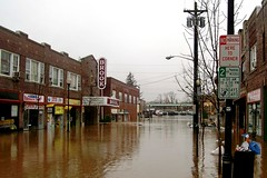 flood in Bound Brook, NJ (by: Ekem, public domain)