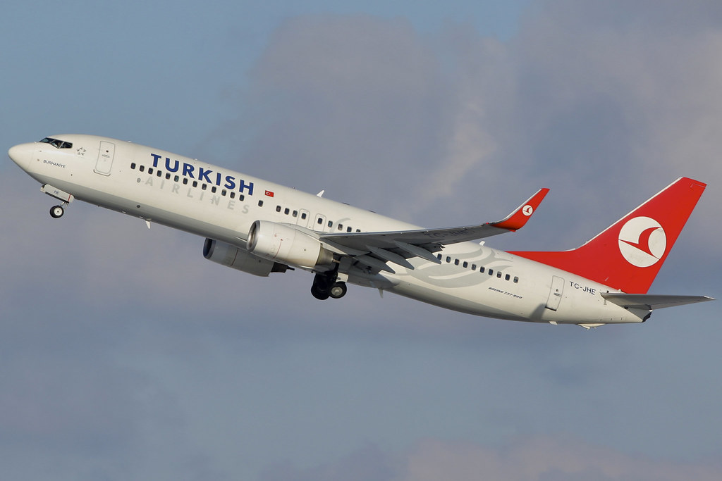 TC-JHE - B738 - Turkish Airlines