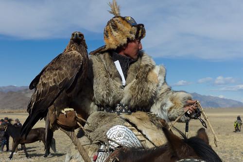people asia mongolia olgii bayanolgii westernmongolia goldeneaglefestival