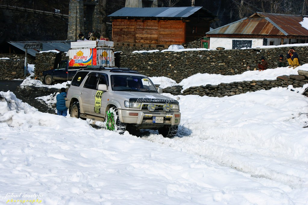 Muzaffarabad Jeep Club Neelum Snow Cross - 8472062172 ded686d2dd b