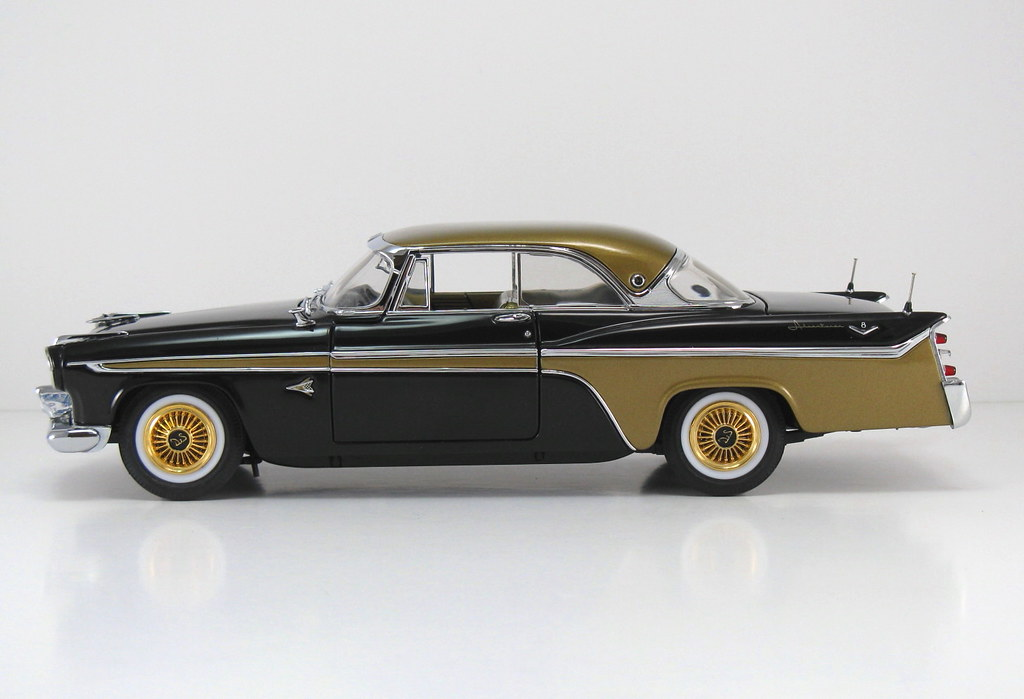 DBM006_B 1956 DeSoto Adventurer HT_Black & Gold