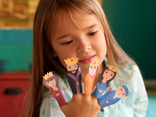 Purim-Finger-Puppets-