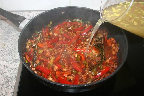 50 - Gemüsebrühe hinzufügen / Add vegetable stock