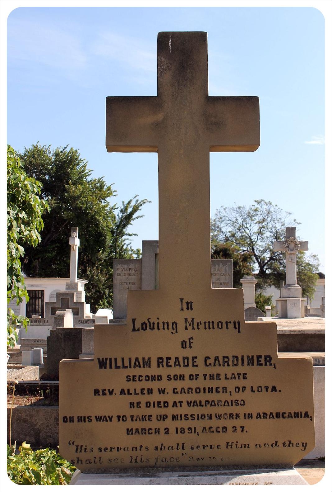 valparaiso cemetery american grave